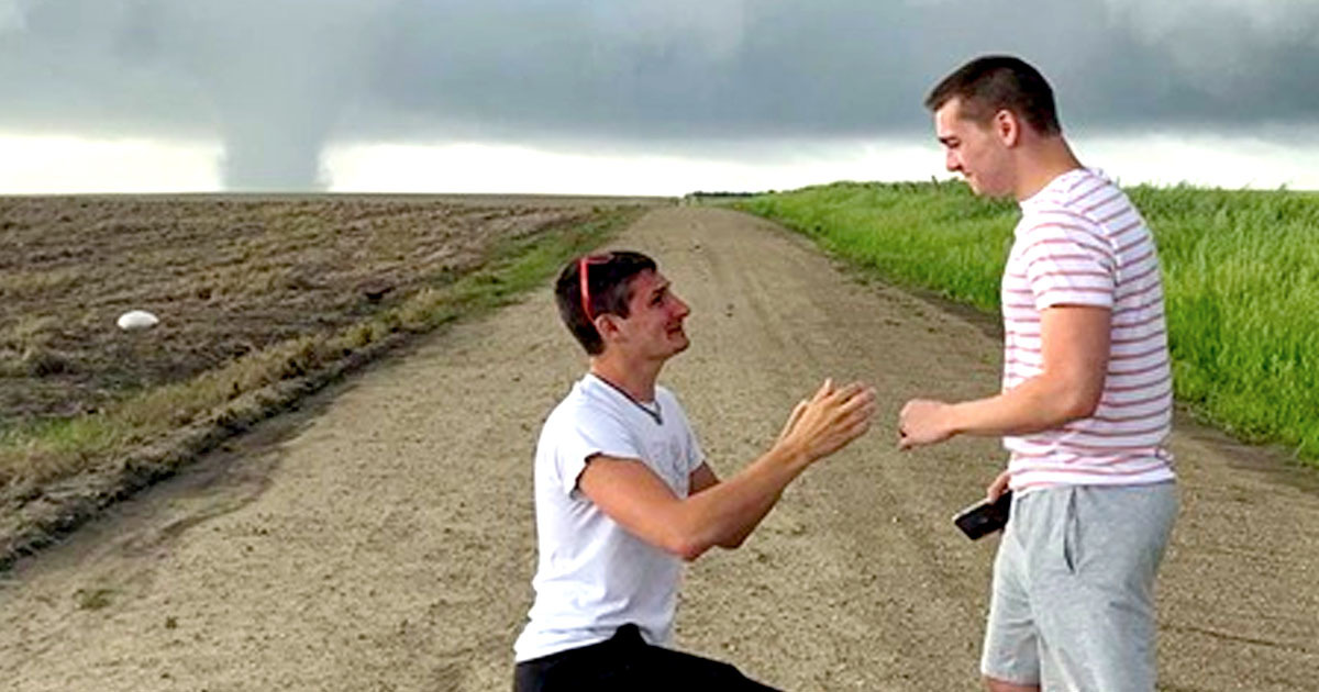 Storm Chaser Proposes To Boyfriend As Tornado Looms Behind