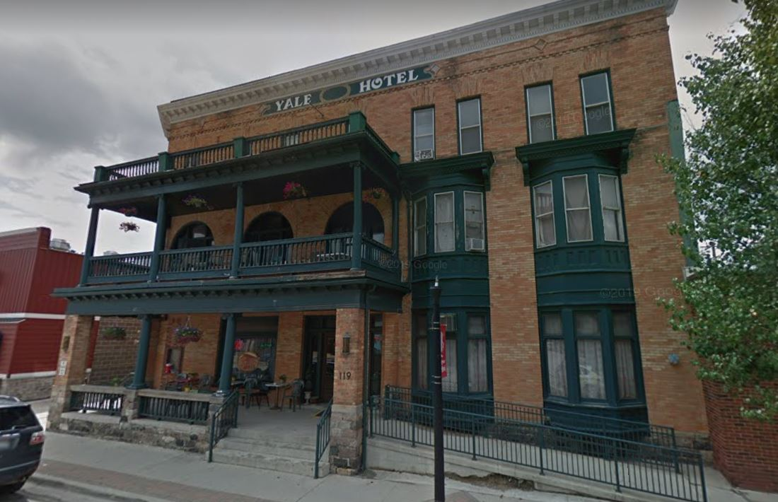 Michigan Hotel Offering Free Stay For Women Travelling For Abortion Yale Hotel
