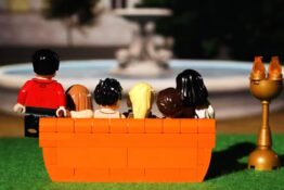 Friends LEGO TV Viral Twitter