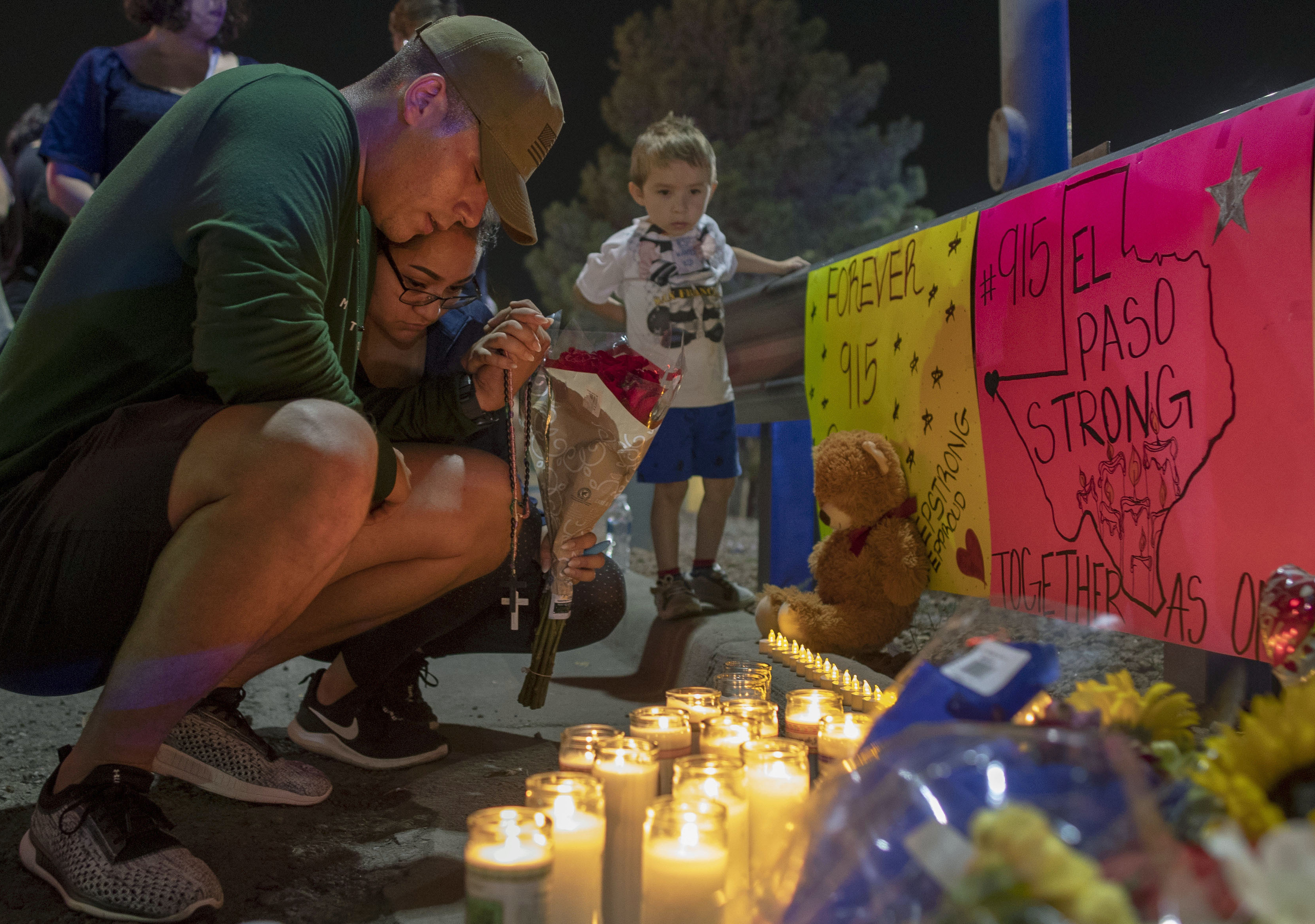 El Paso shooting victims candles tribute vigil