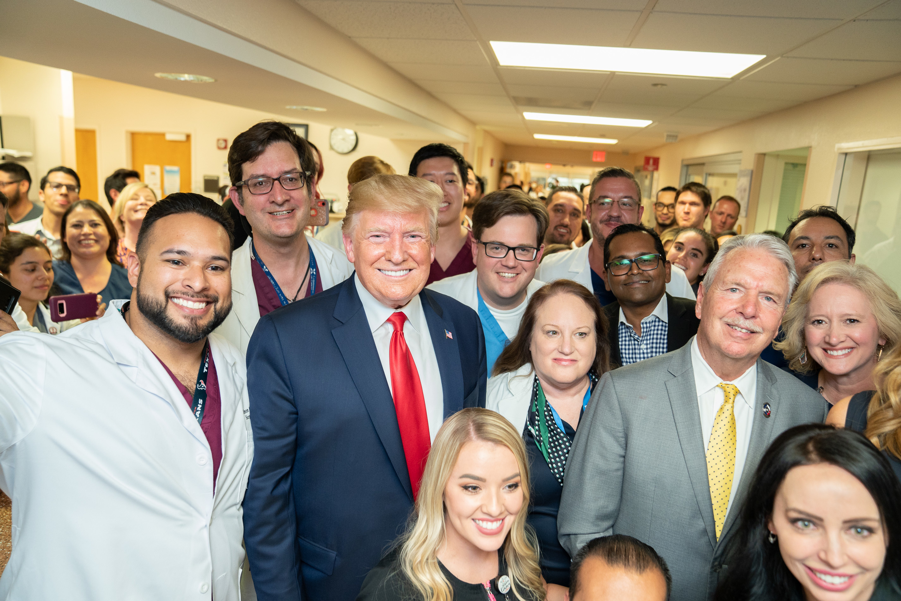 Grinning Trump Gives Thumbs-Up With Baby Whose Parents Were Shot In El Paso