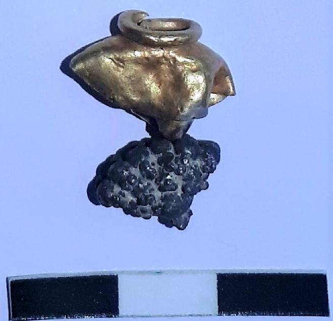 earring from the siege of Jerusalem found at Mount Zion