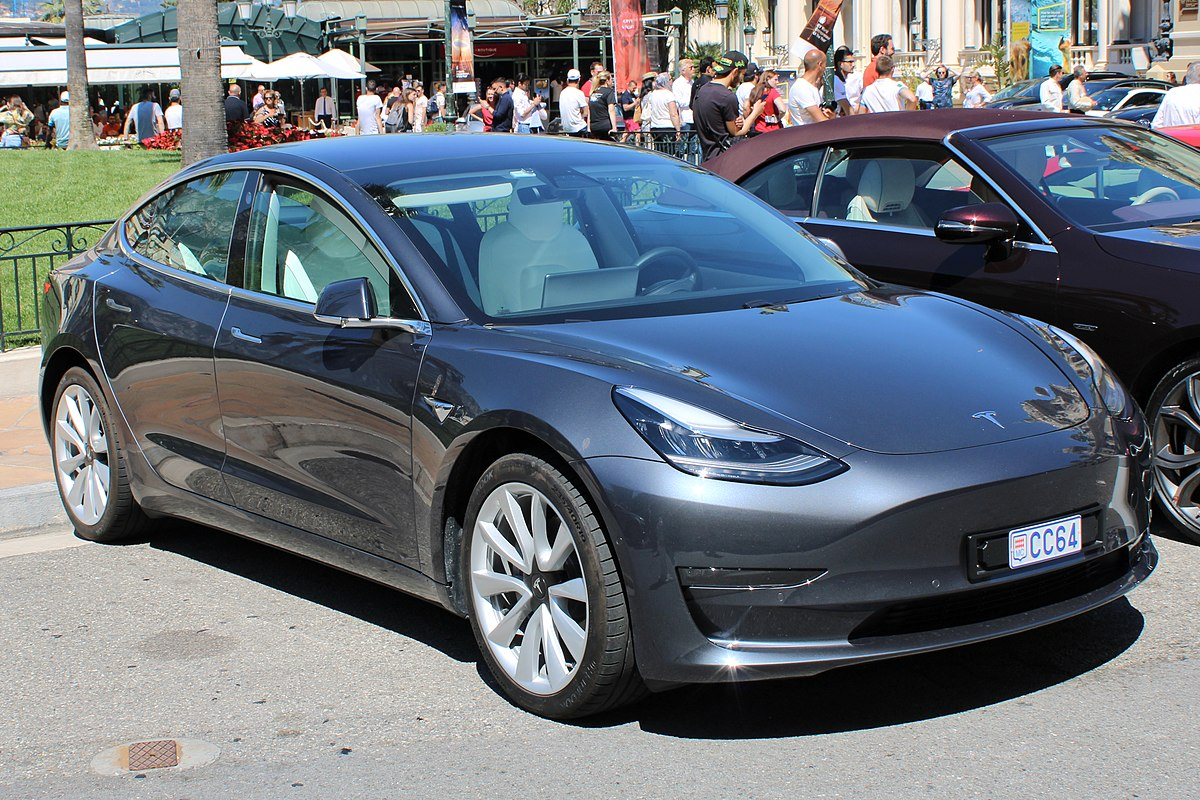Tesla Model 3 Hinnasto