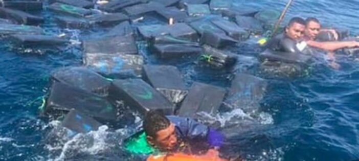 Drug Smugglers Use Packages Of Cocaine To Stay Afloat After Shipwreck