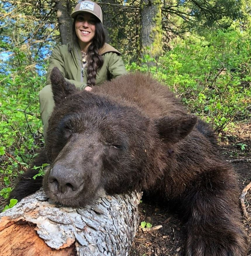 Hunter Receives Death Threats For Posting Pictures Of Kills To Instagram