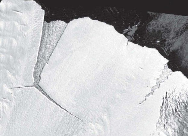 315 Billion Tonnes Of Ice Just Broke Off Antarctica