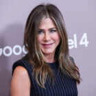 Jennifer Aniston Joins Instagram And Posts Picture Of Friends Reunion