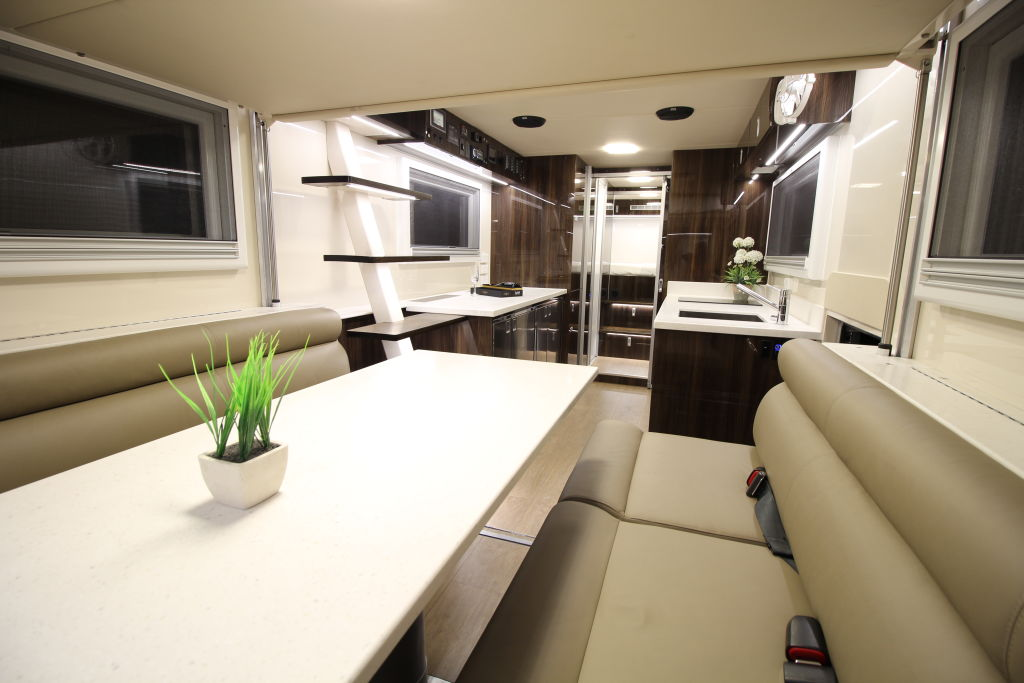 Family Builds £1.5 Million Apartment On Wheels To Travel In Luxury