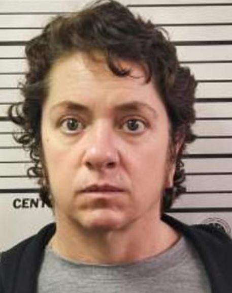 Woman pleads guilty to domestic abuse after demanding oral from boyfriend