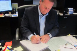CEO Writes 9,200 Employee Birthday Cards A Year Because He Understands Value Of Gratitude