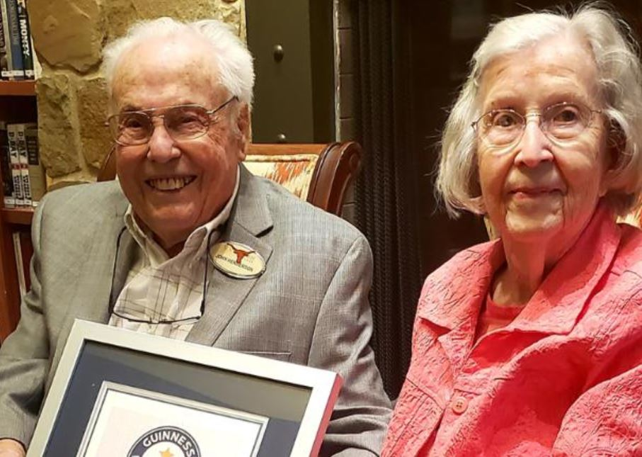 World's Oldest Living couple holding Guinness World Record certificate