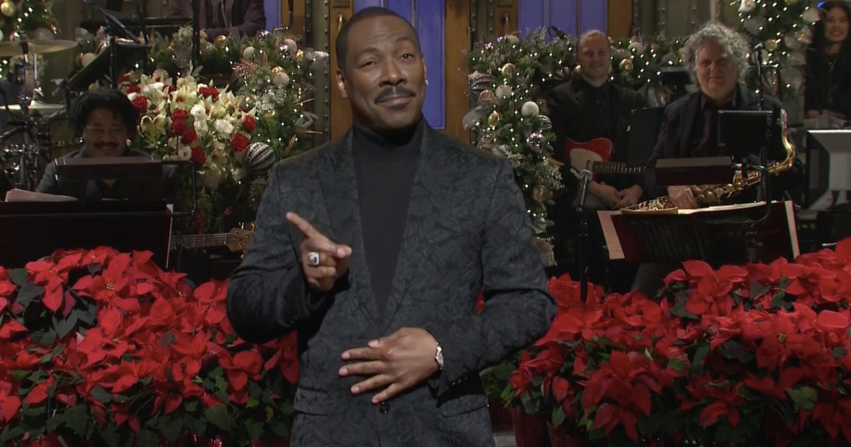 Eddie Murphy Makes His Triumphant Return To SNL 35 Years After Last Hosting