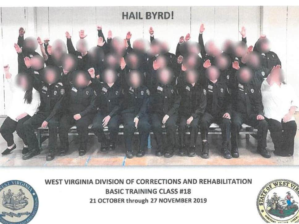 police officers do nazi salute