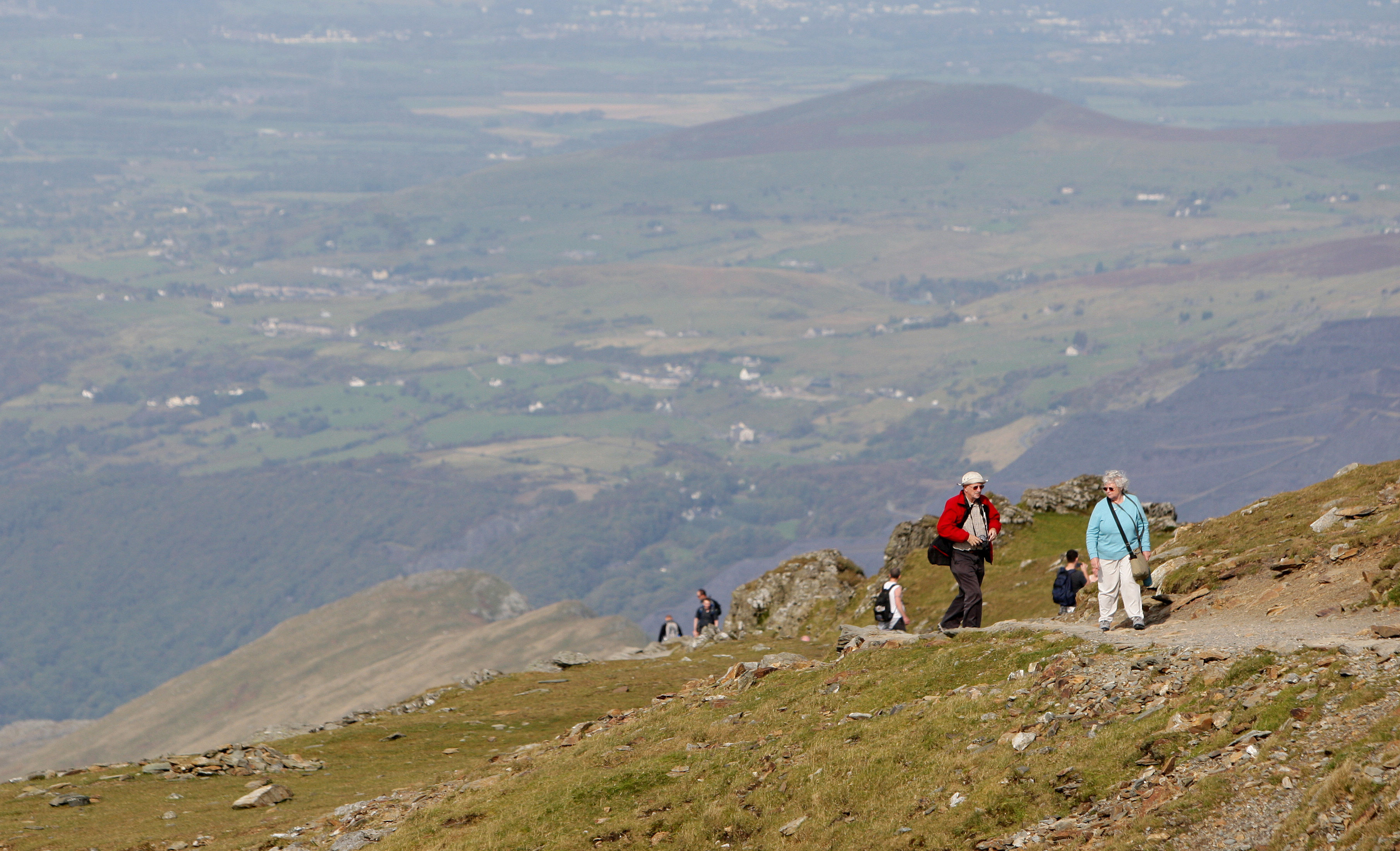 People Say Snowdon Is 'Too Steep And Windy' In Bizarre Trip Advisor Reviews
