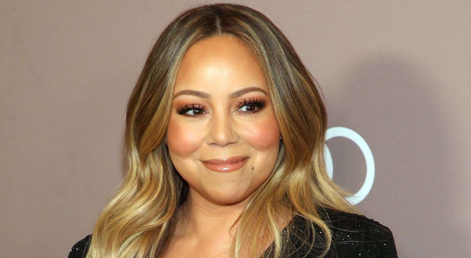 Mariah Carey's Twitter Got Hacked And Took Shots At Eminem ...