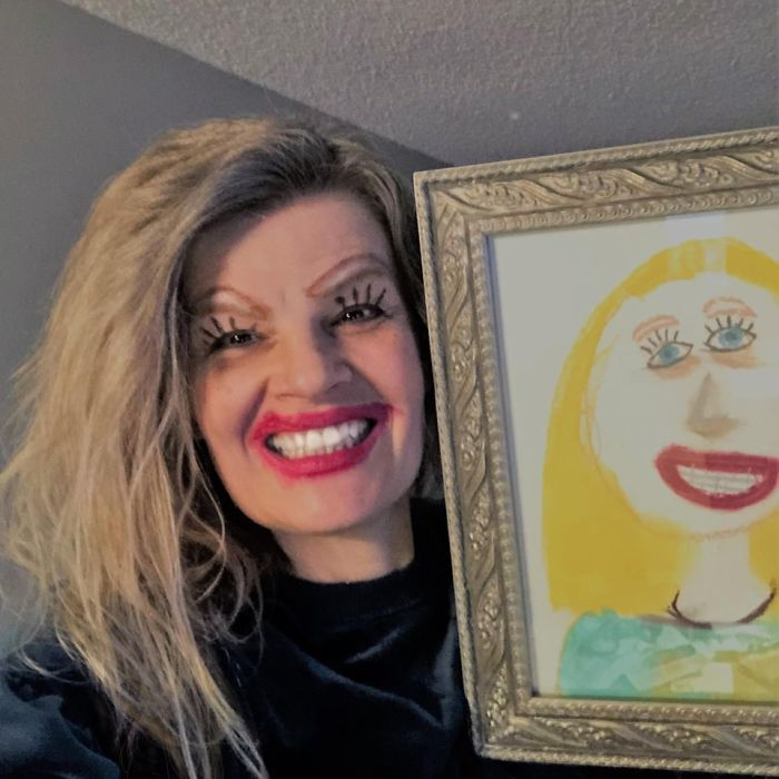 Mum Posts Hilarious Selfie Posing Next To Daughter's Drawing Of Her