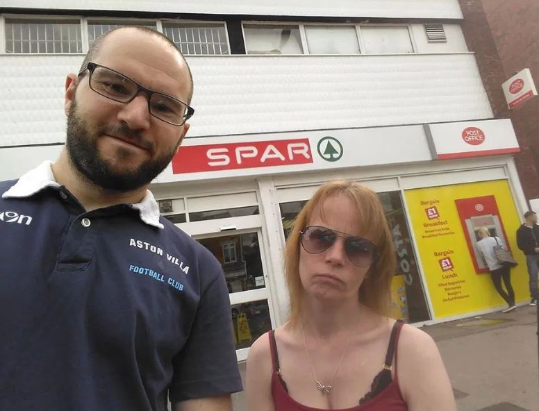 man takes girlfriend on spar weekend 1