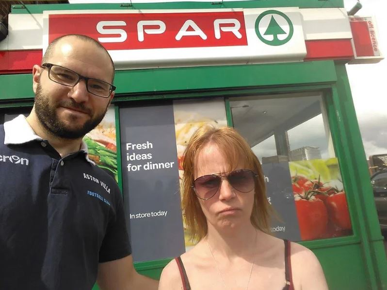 man pranks girlfriend with spar