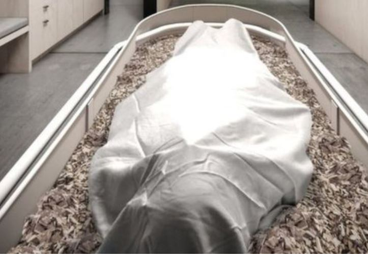 Bodies decomposing in soil in environmentally-friendly funerals
