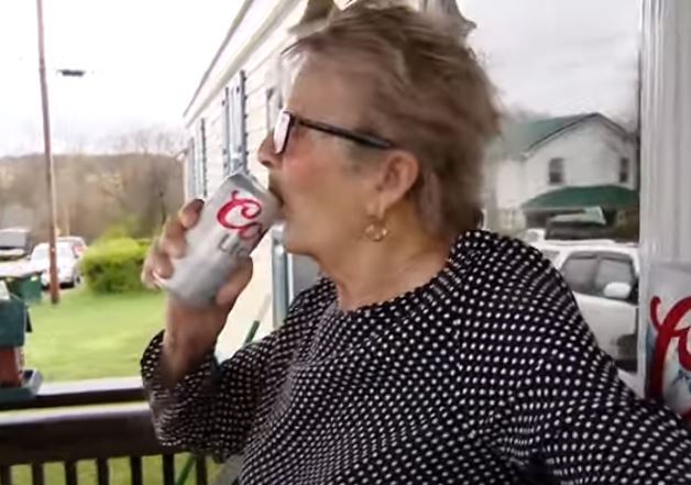 93-year-old woman cracks open Coors Light