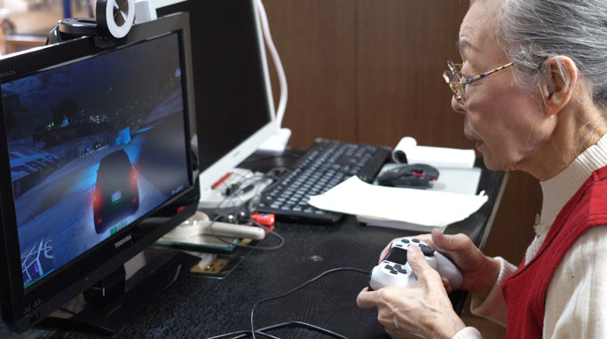 World's Oldest Gaming YouTuber Hamako Mori 2