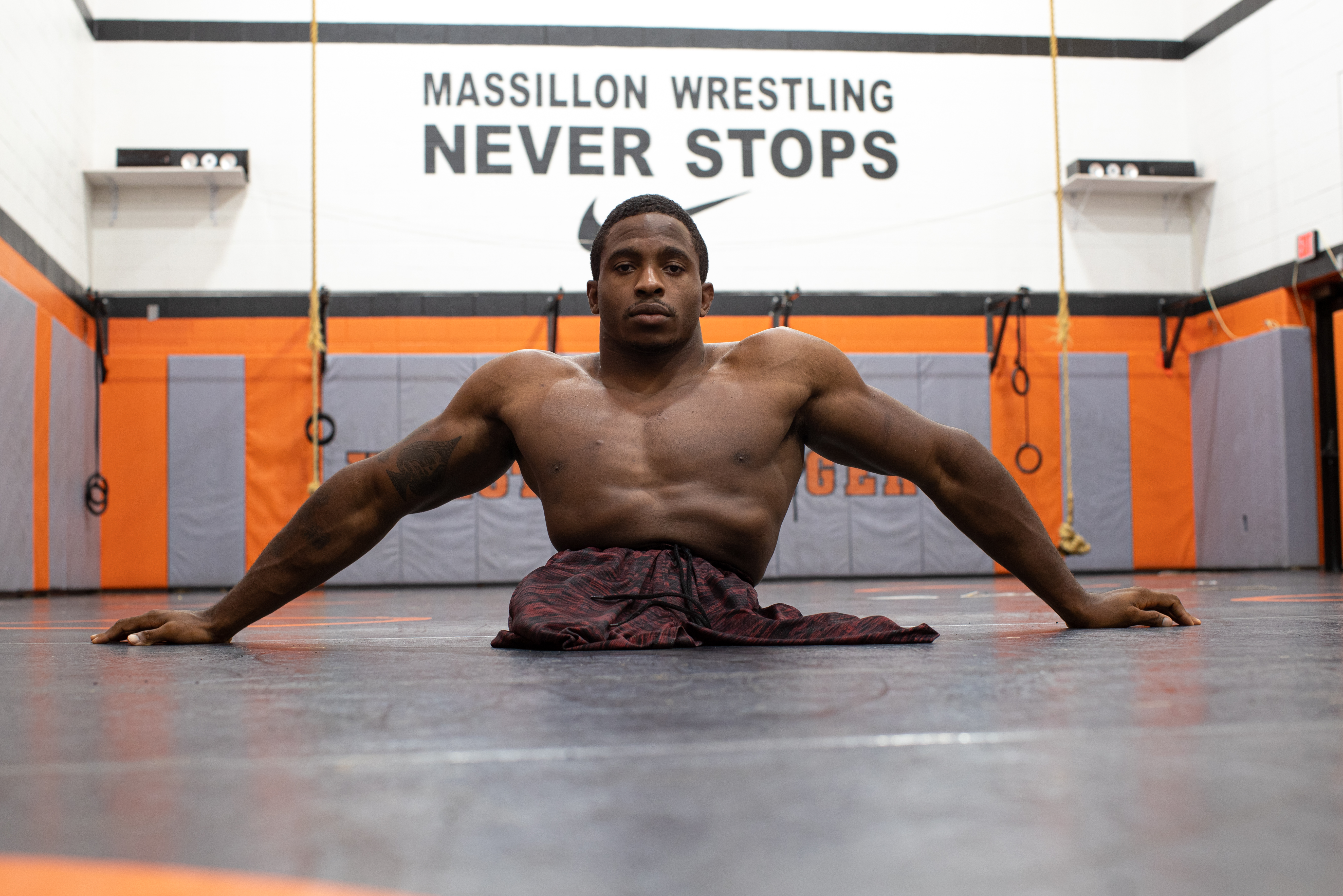 Man born with no legs became pro freestyle wrestler