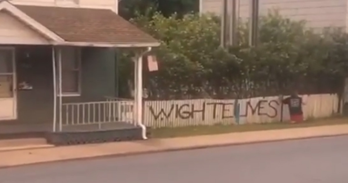 spray painter caught writing wighte lives matter 1