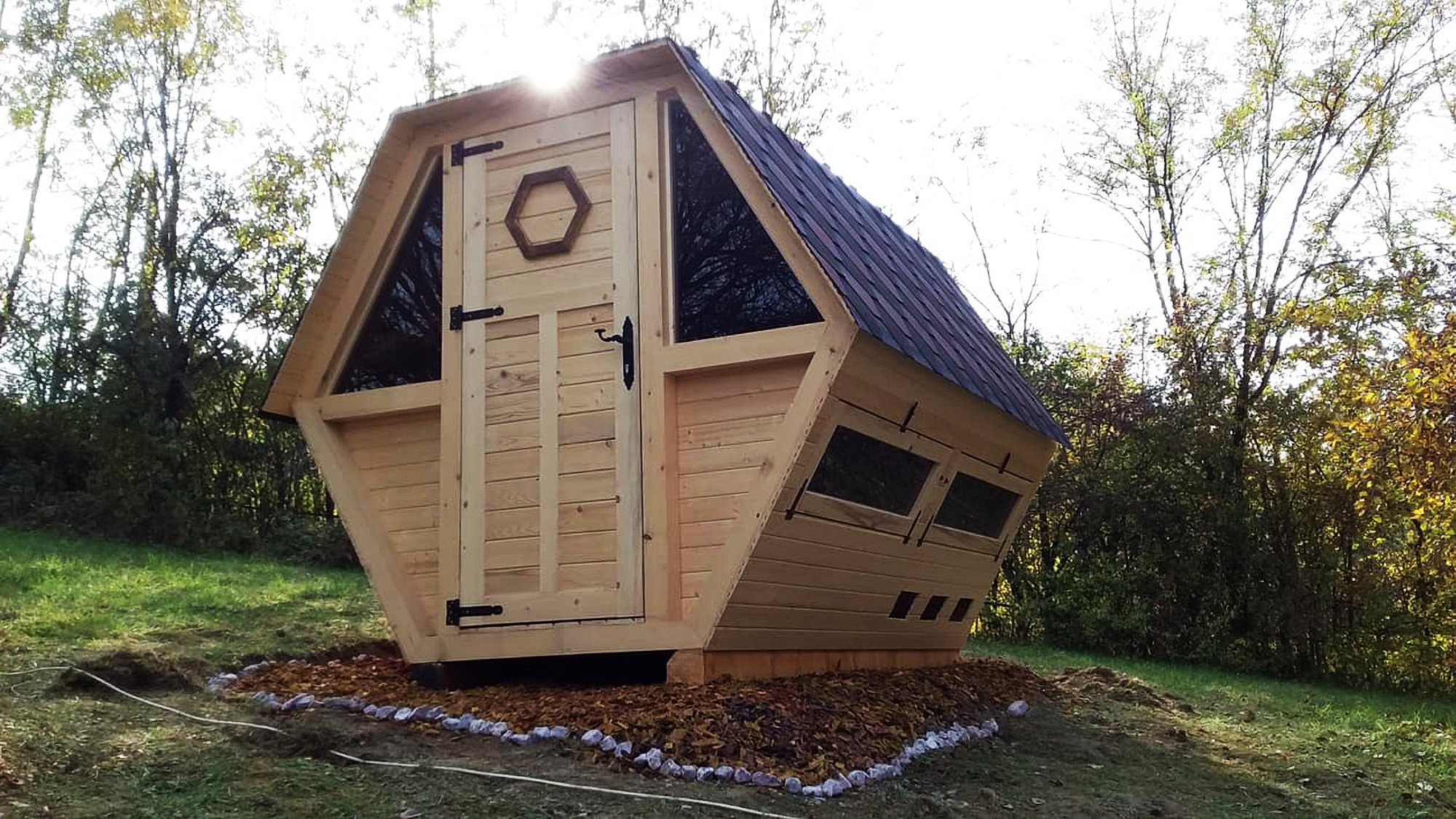 Cabin where people relax with bees