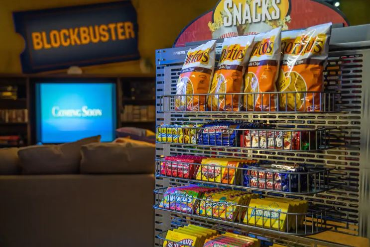 World's Last Remaining Blockbuster Becomes Airbnb For Ultimate Sleepover Location