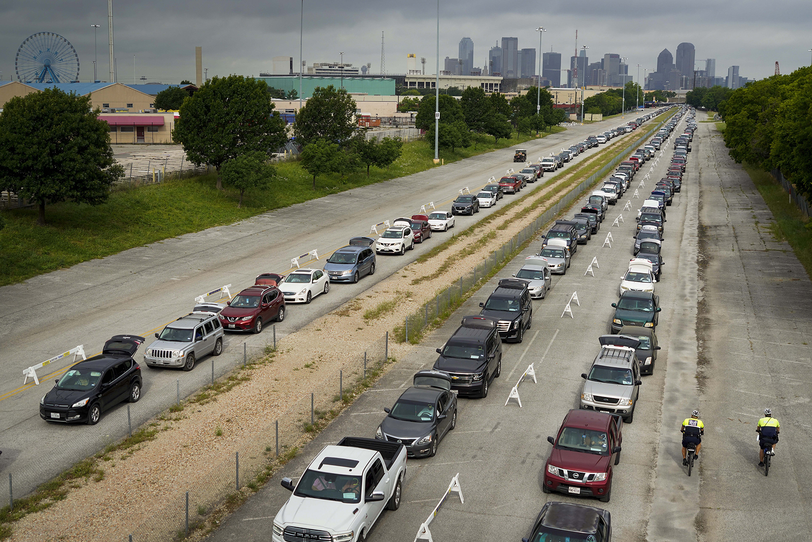 Thousands Of Cars Form Mile-Long Line At US Food Bank