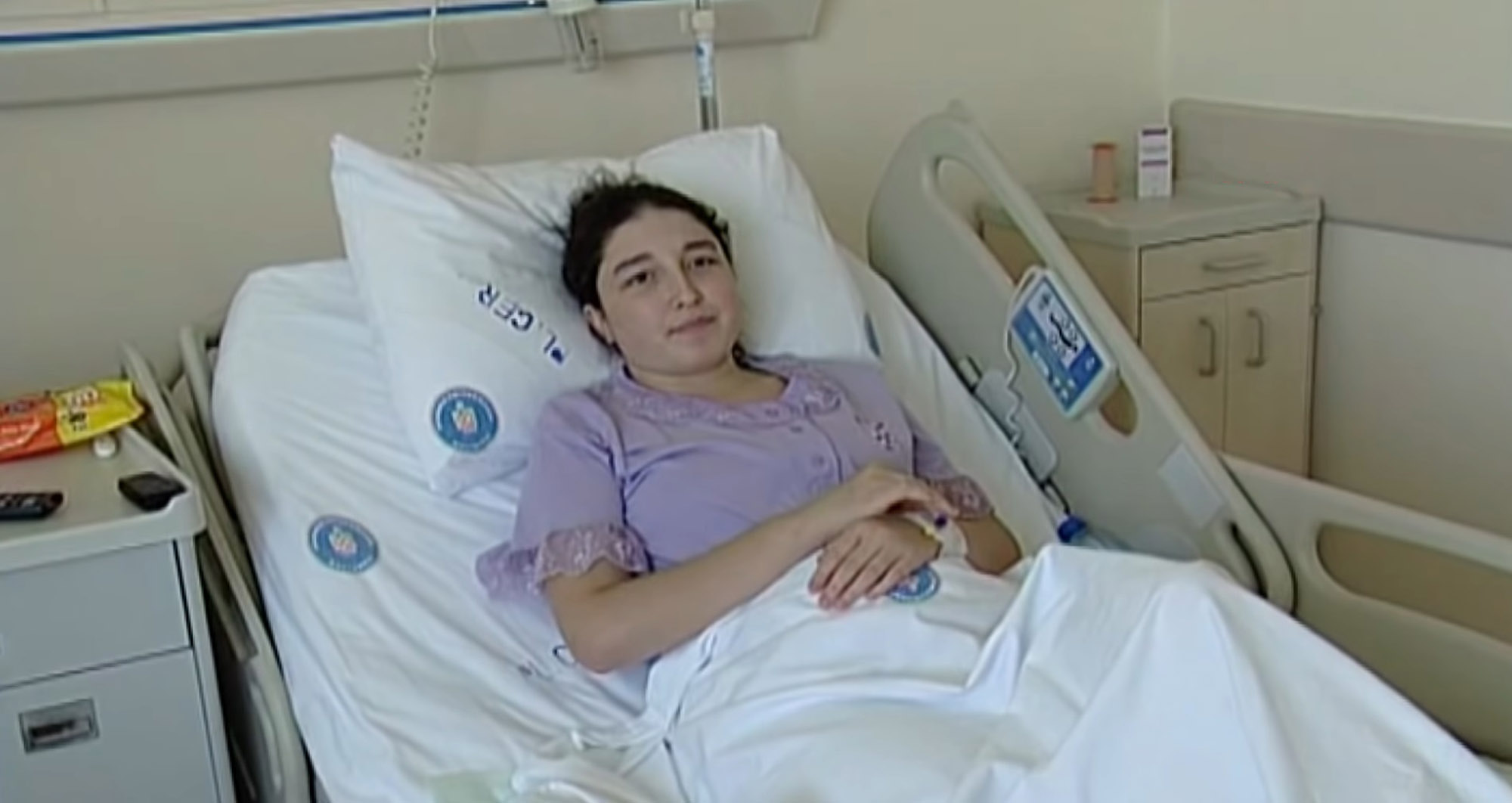 woman gives birth after having womb transplant 1